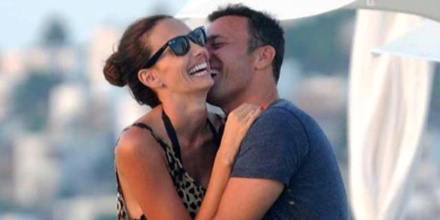 Mustafa Sandal Boşanıyor!