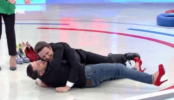 Yaparsın Aşkım'da yarışmacı İlker Ayrık'ı ısırdı!