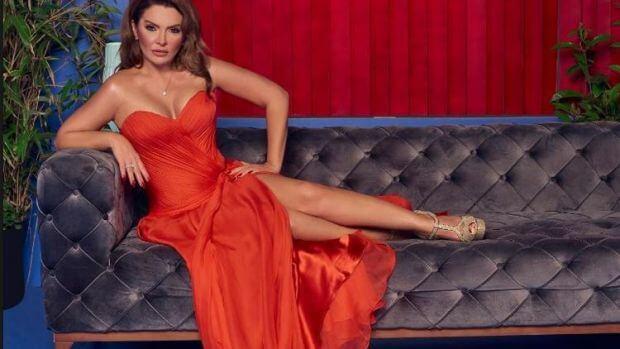 Pınar Eliçe, uzun süredir ara verdiği sahnelere geri döneceğinin müjdesini verdi.