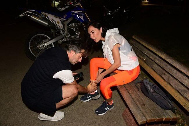 Onur Mete, Eşini Kucağında Taşıdı!