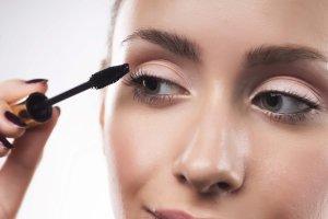 göz-sagligi-göz-makyaji
