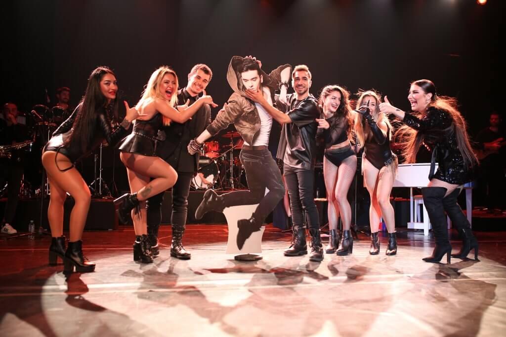 İrem Derici Konserinde Merve Özbey ile Düet Yaptı!