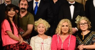 Çiğdem Tunç Tiyatrosu'nun Galasına Birçok Ünlü İsim Katıldı
