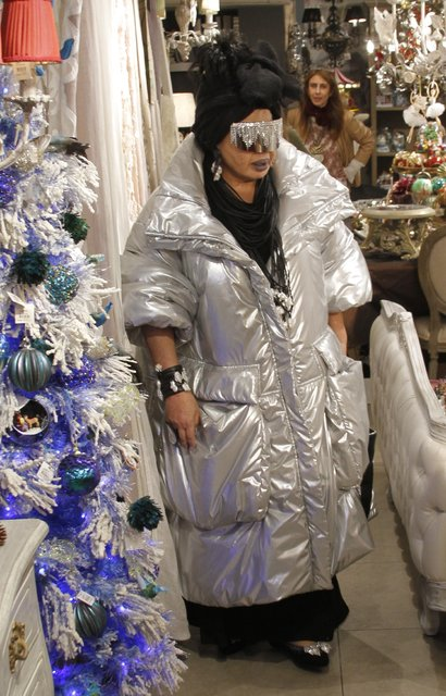 Diva Bülent Ersoy önceki gün Nişantaşı'nda alışveriş yaparken görüntülendi