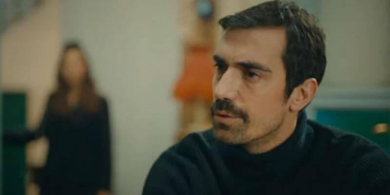 Mehdi Zeynep'e Aşık Oluyor