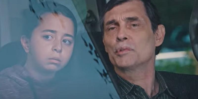 Mavi Gülay'a Mahir'in Kızı Olduğunu Söylüyor