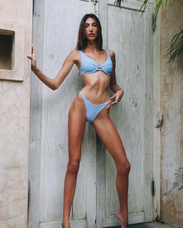 Şevval Şahin'in Takipçilerini İkiye Bölen Bikinili Pozları