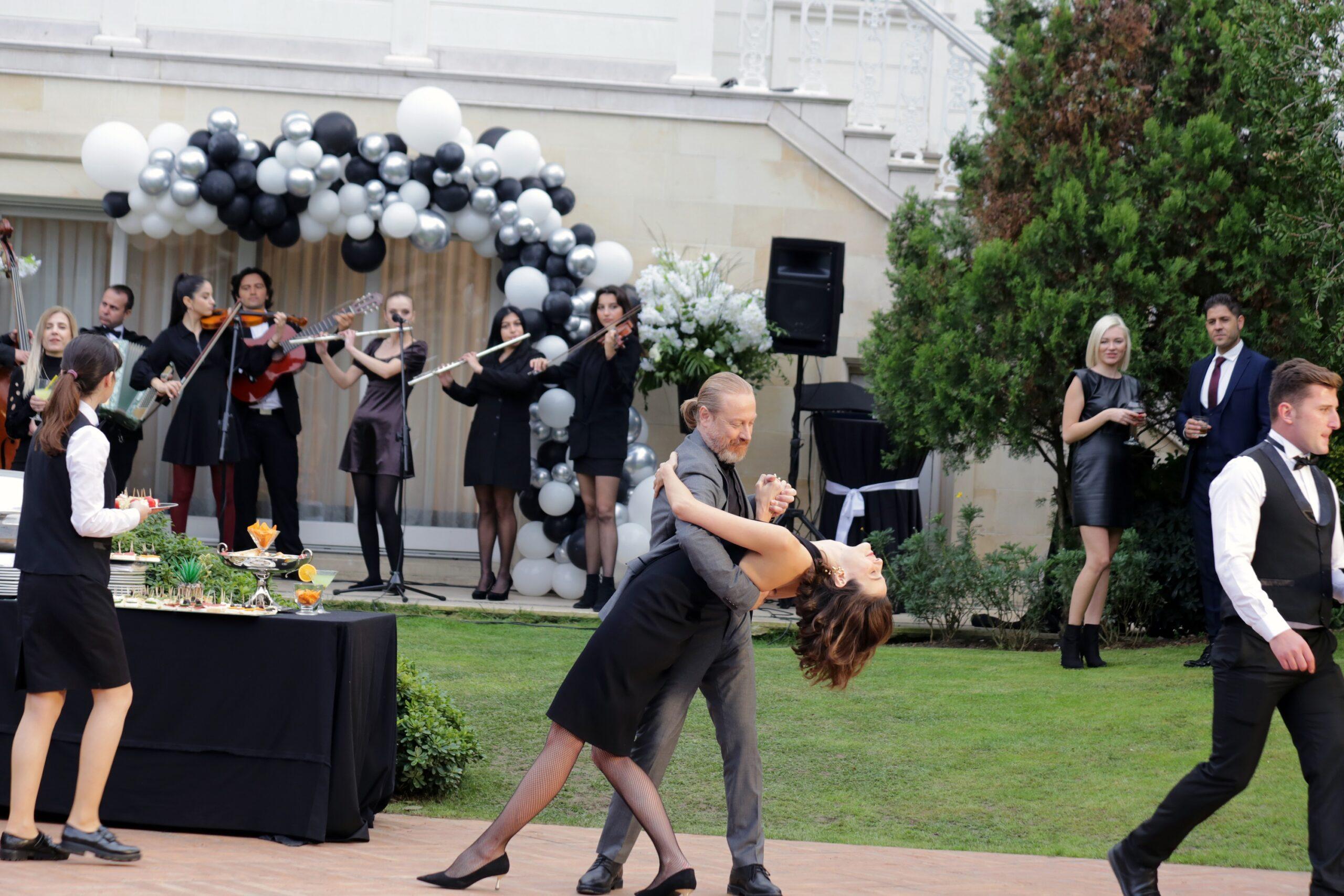 Büşra Develi ve Yıldıray Şahinler Tango sahnesi
