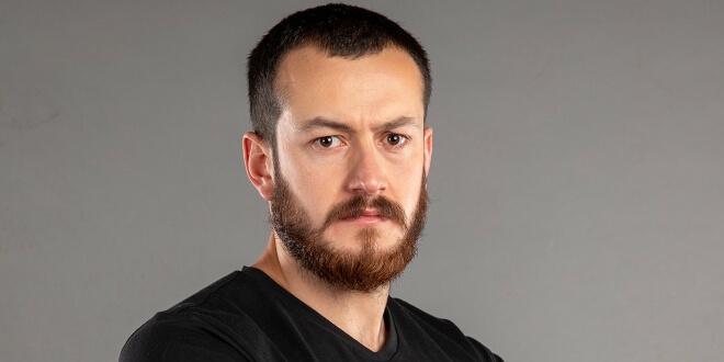 Sultan Reşat Hacıahmetoğlu Kimdir?