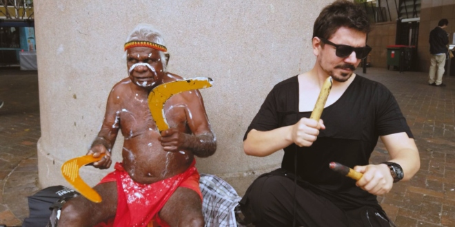 Üç Kıtada Klip Çekti