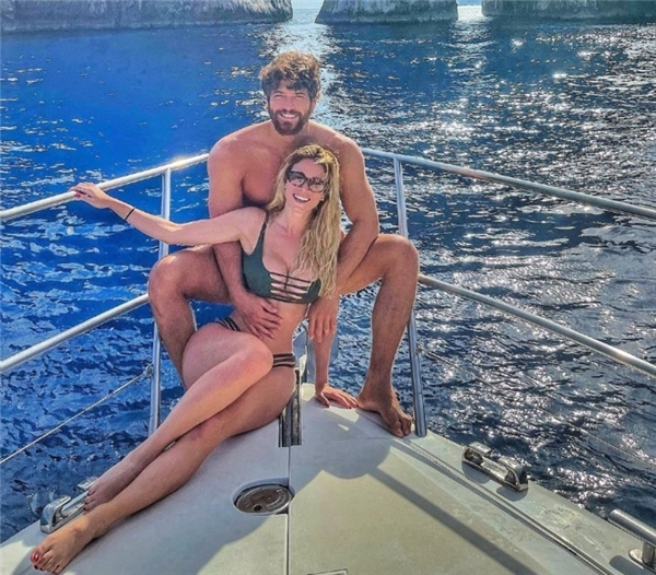 Diletta Leotta ve Can Yaman'dan Aşk Pozu