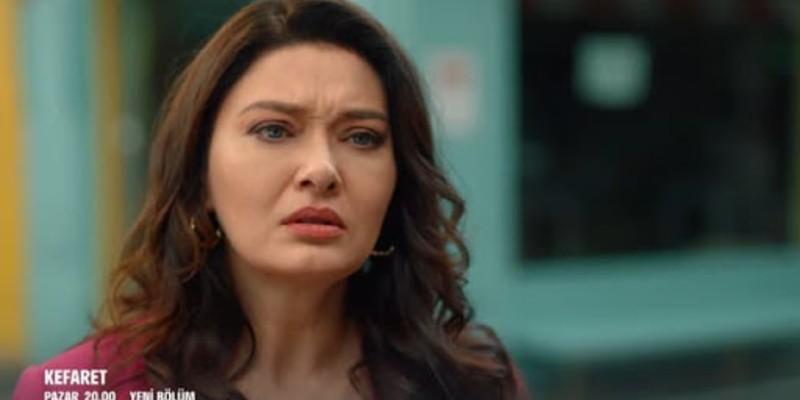 Zeynep Sinan'ı Başka Bir Kadınla Görüyor