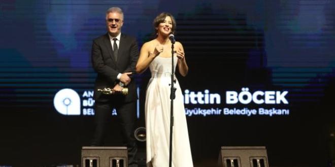 Tamer Karadağlı' nın Tavırları Altın Portakal' a Damgasını Vurdu...
